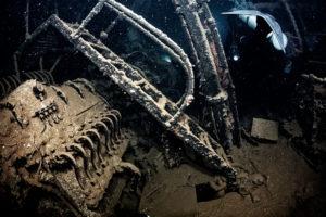 沈船の内部を探る013
